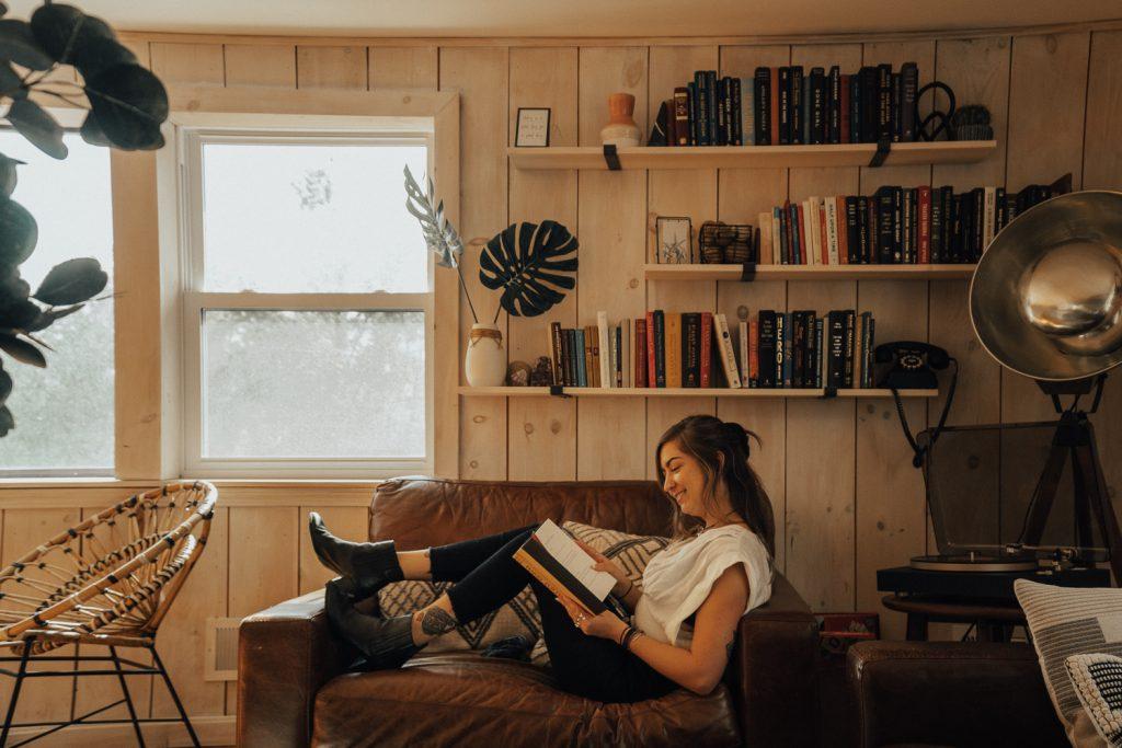 bohemian decor reading